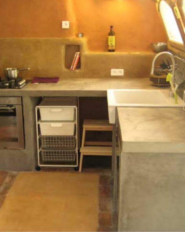 Plan de travail en béton coloré ciré Lot Aveyron